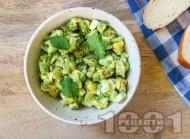 Рецепта Нисковъглехидратна разядка пастет с авокадо, варени яйца, чесън и кориандър